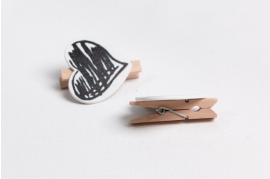 Wood Grunge Heart Paper Clips